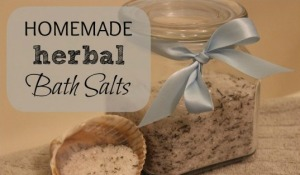 How-To-Make-Bath-Salts-560x378